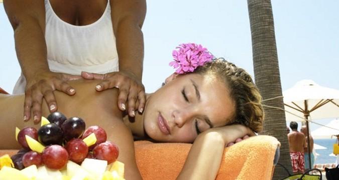 día masajes trajes en Marbella